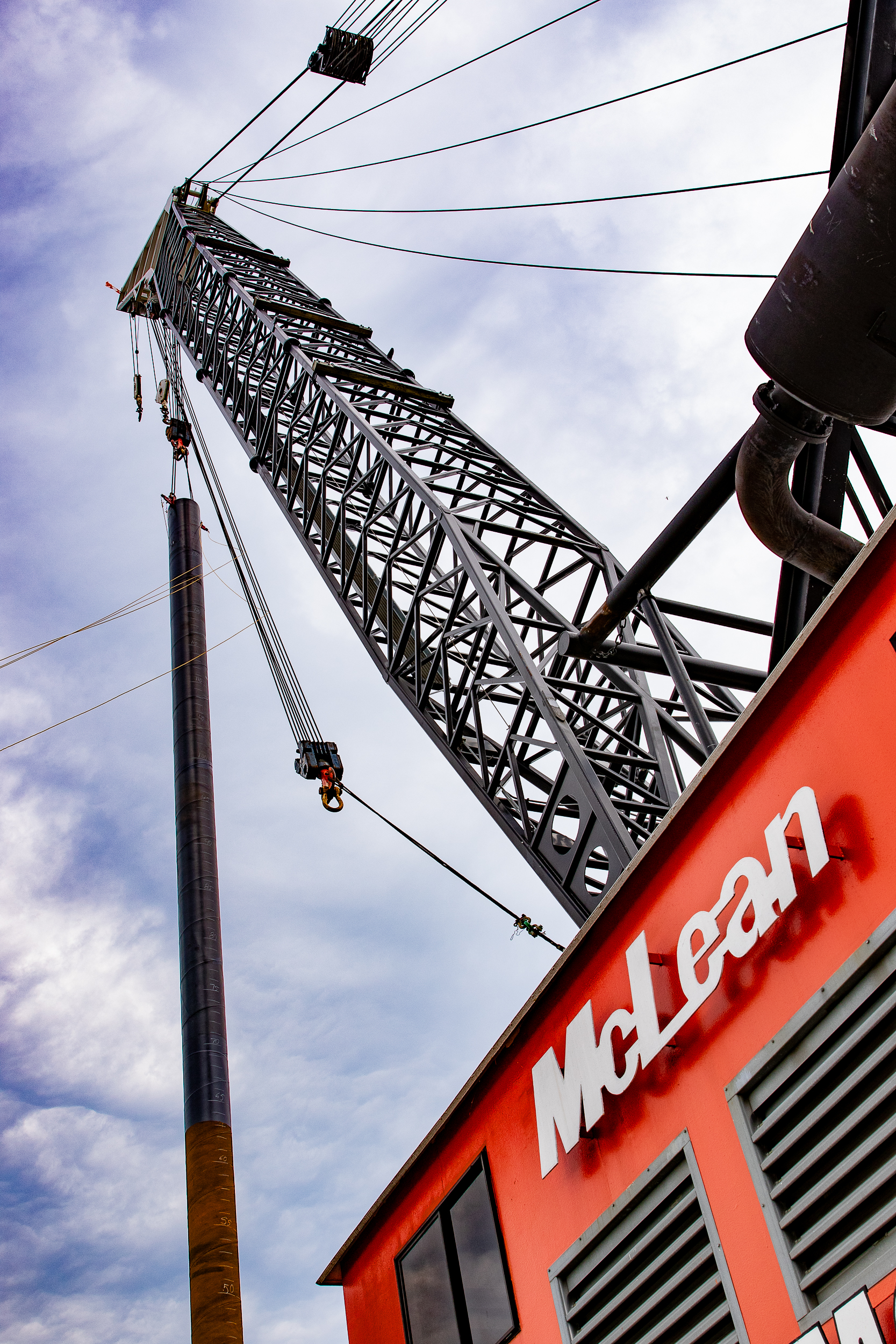 200-ton McLean Contracting crane holds Key Crossing test pile